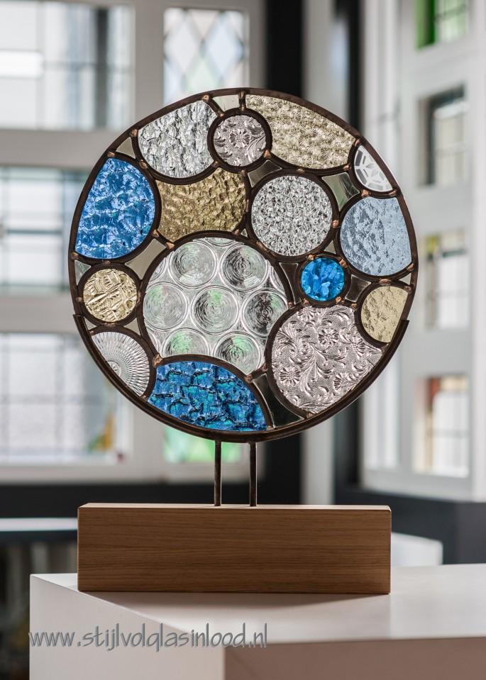 Glas In Lood Op Eikenhouten Voet Stijlvol Glas In Lood